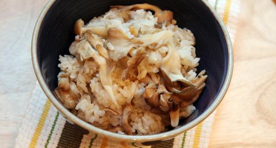 We have posted the recipes. レシピサイトを更新しました。 「Shio koji Kinoko Gohan / 塩麹ときのこの炊き込みご飯」